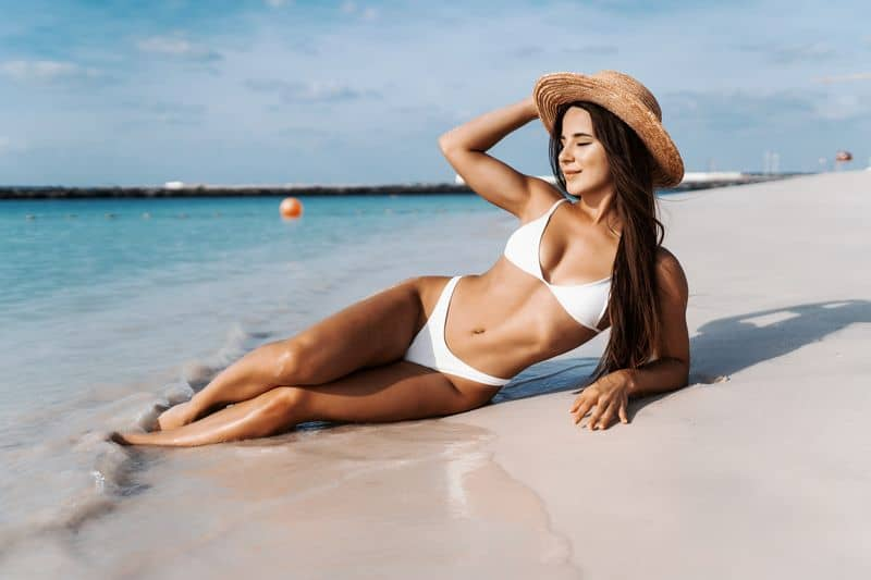 Summer,Lifestyle.,Portrait,Of,Pretty,Girl,With,Slim,Tanned,Sexy